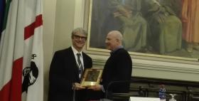 Lo scienziato Francesco Marincola e il Rettore dell'Università di Sassari Massimo Carpinelli