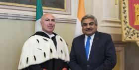 L'Ambasciatore dell'india Anil Wadhwa e il Rettore Uniss Massimo Carpinelli