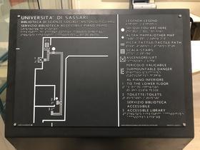 Mappa tattile primo piano Biblioteca accessibile