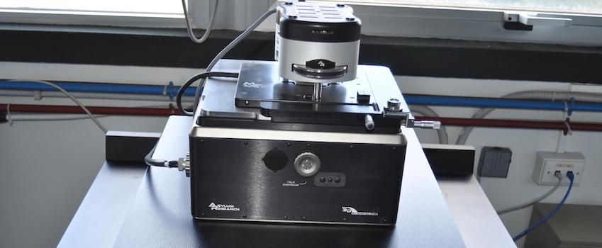 foto AFM Microscopio a Forza Atomica