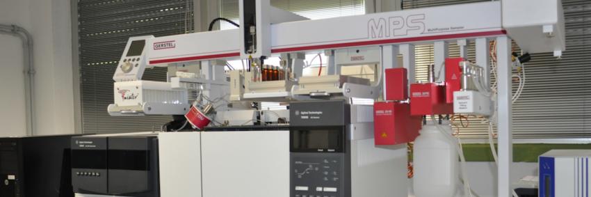 Cromatografo in fase gassosa accoppiato a spettrometro di massa.